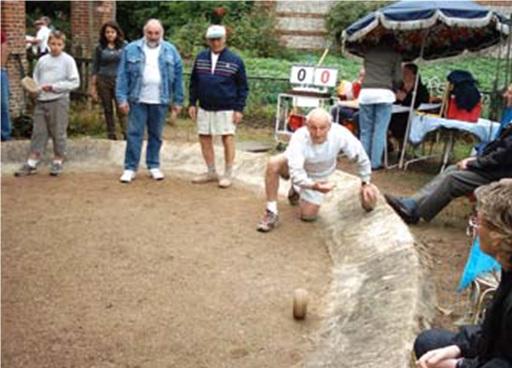Lancer de boule cauchoise, photographie fournie par Pascal Gange.