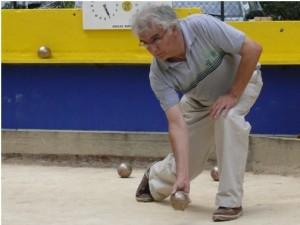 Joueur qui s'apprête à lancer la boule, photographie d'Alain Nicolas
